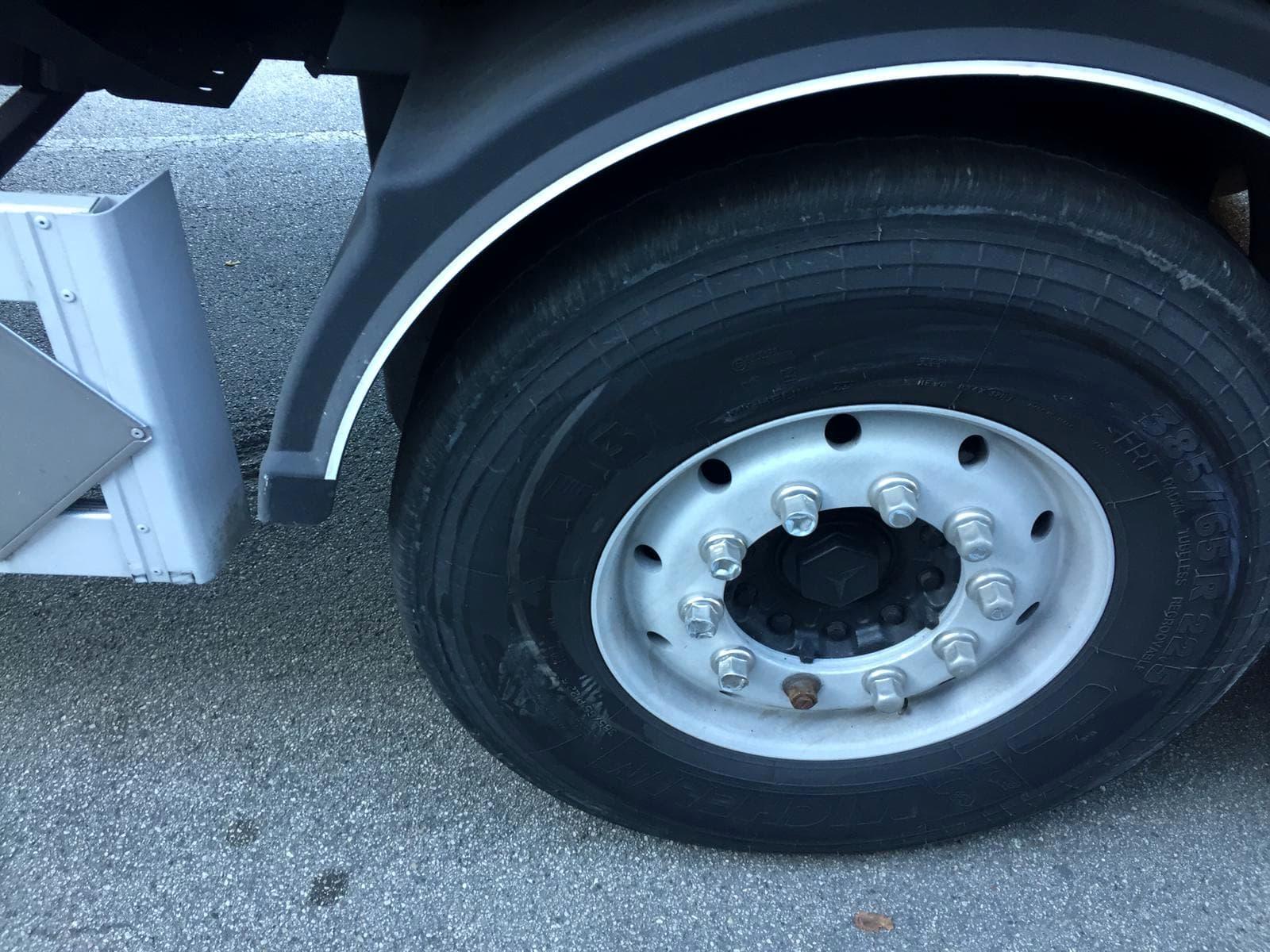 camion incidentato-2