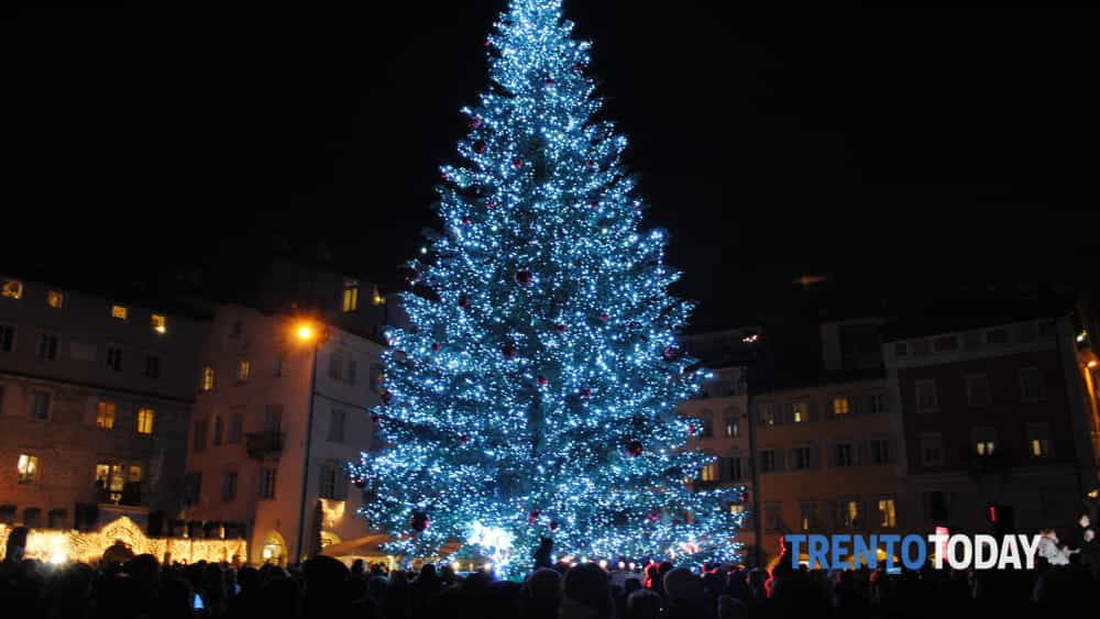 Natale A Trento.Trento Citta Del Natale Mercatini Notte Bianca Capodanno Ecco Tutte Le Novita