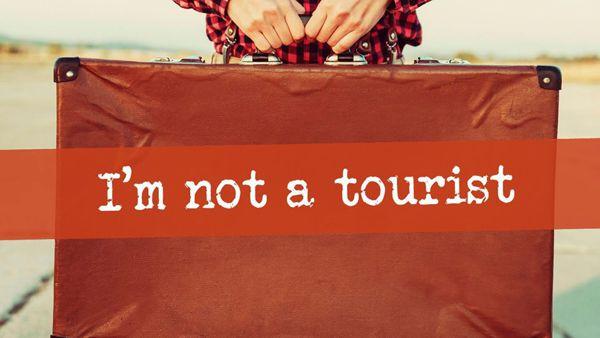 I'm not a Tourist: a teatro con la valigia