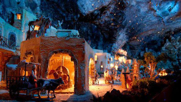 "Mercatini di Natale a Miola di Pinè, ""el paès dei presepi"""