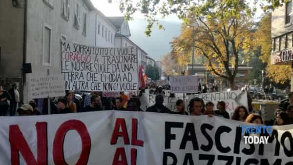 Protesta anti-Salvini a Trento: messaggio di solidarietà di padre Alex Zanotelli