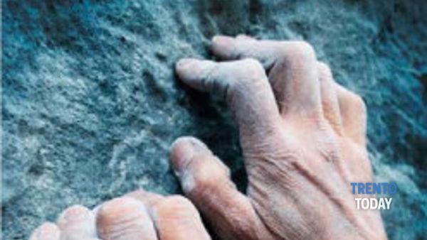"""""""Free solo: la vita nelle mani"""". L'avventura di arrampicata che ha conquistato Manolo"""