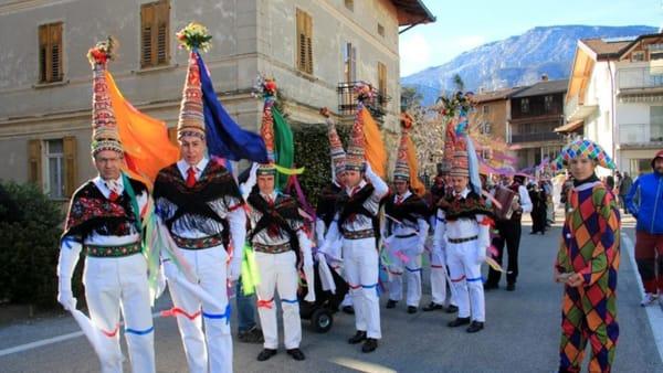 Gran Carnevale di Romeno: una festa di colori