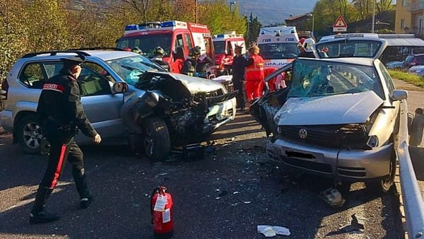Un'immagine dell'incidente, foto VVFF Dro