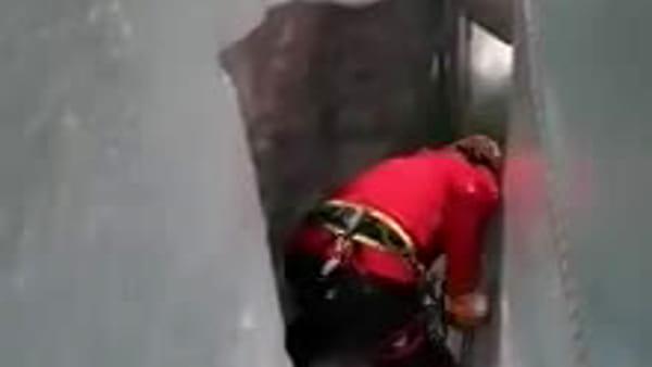 """Soccorso Alpino a 30 metri di profondità. """"Doveroso il recupero del corpo di Daniele"""""""