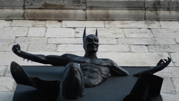 Batman secondo Adrian Tranquilli in esposizione al Mart