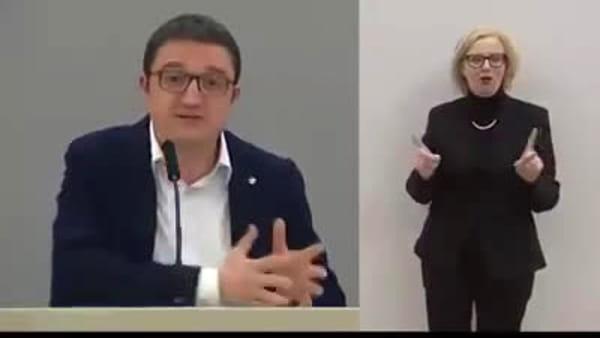 """Fugatti lancia il messaggio in dialetto: """"No se va nei vòlti a bever bianchi"""""""