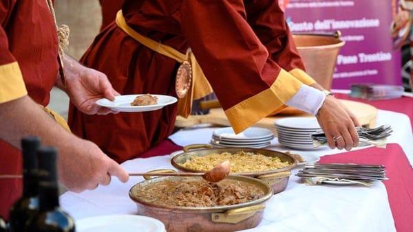 I piatti della tradizione in piazza a Trento: ecco il Festival d'Autunno