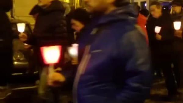 Fiaccolata per Antonio Megalizzi: 200 persone a Trento ad un mese dalla morte