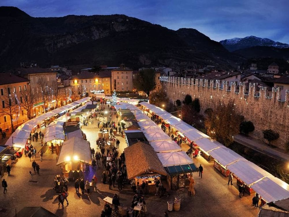 Mercatini a Trento (da https://www.mercatinodinatale.tn.it)