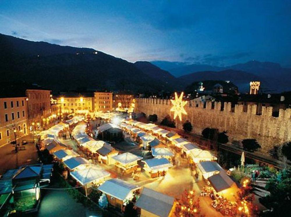 Mercatini Di Natale Trento 2020.Vigilia Di Natale E Santo Stefano Ai Mercatini Eventi A Trento
